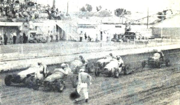 Sprint car races at hutchinson kansas on september 21 1960 for Rose motors hutchinson ks